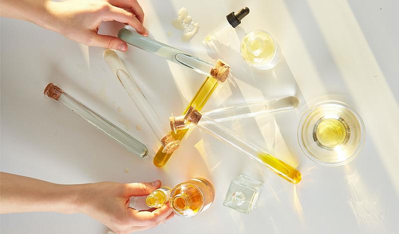 Differences entre huile essentielle et extrait aromatique