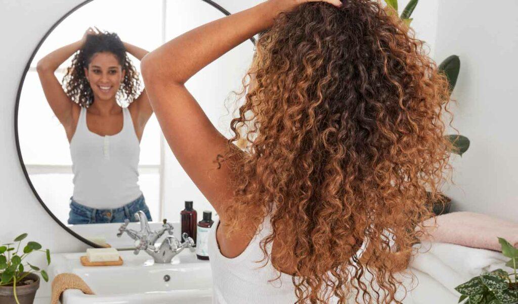 Shampoing sans sulfate cheveux bouclés